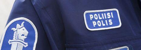 poliisi RINTAMERKKI